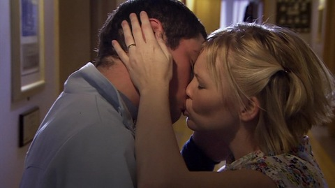 Gavin and Stacey kissing