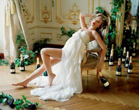 Scarlett Johansson surrounded by Moet