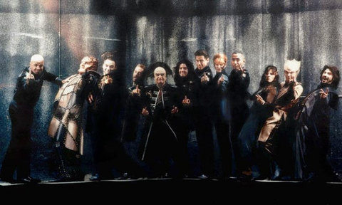 Babylon 5's cast want to give you the finger