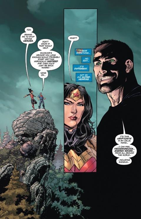 Superman compliments Wonder Woman