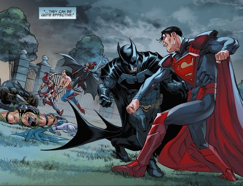 Wonder Woman fights Batwoman and Harley Quinn