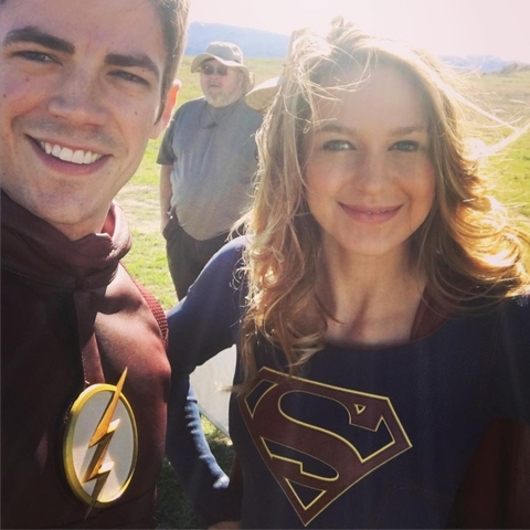 First photo from the set of the Flash/Supergirl crossover