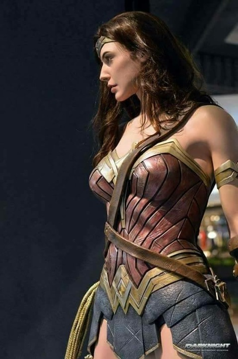 New photo of Gal Gadot as Wonder Woman